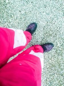 Bästa julklappen var rosa arbetarbyxor. Nu matchar även skorna.