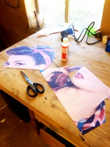 decoupage_desk_Pinup