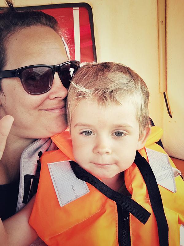 Jag och Anton på morfars båt